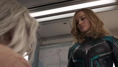 """Trailer """"Capitão Marvel"""": fãs deliram com heroína a bater em avozinha"""