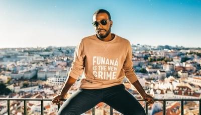 Luso-cabo-verdiano Dino D'Santiago no festival de música latina em Londres