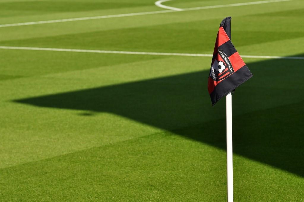 COVID-19: Bournemouth confirma caso positivo no plantel