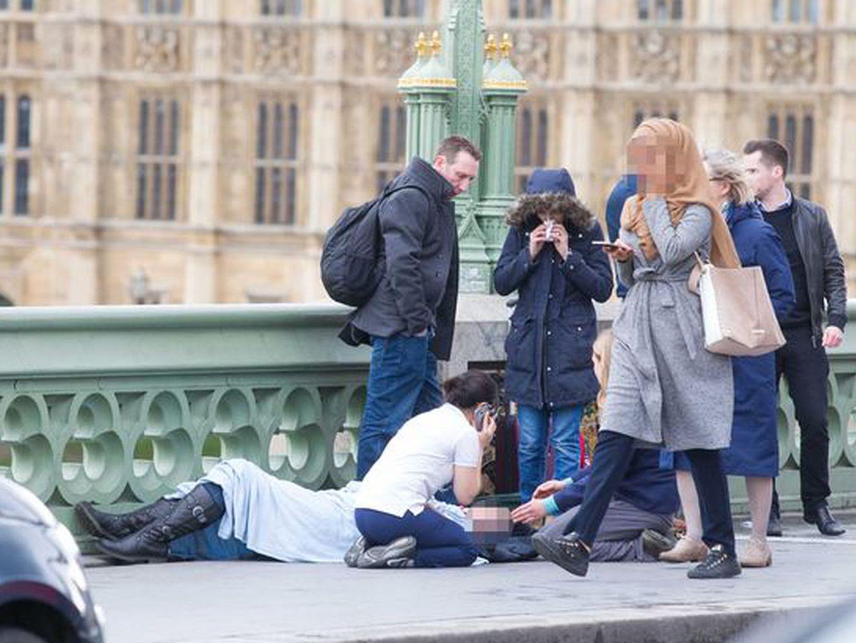 A verdade por trás da foto da mulher muçulmana na ponte de Westminster