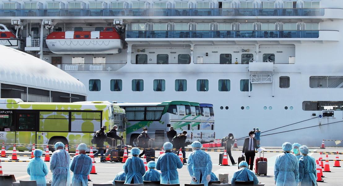 Covid-19: Família diz que estado de saúde de português retido em navio no Japão piorou