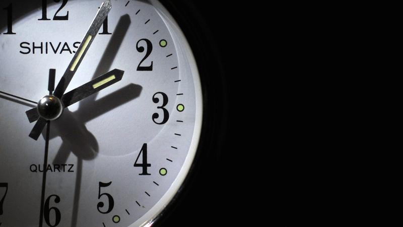 """""""Para aumentar a confusão aos relógios, o horário vai mudar"""". Associação alerta para riscos da mudança em tempos de confinamento"""