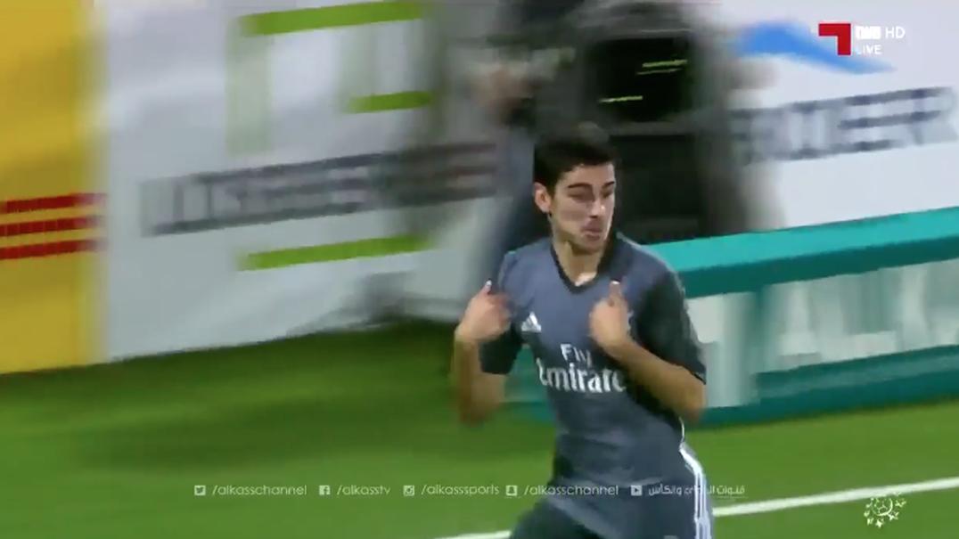 Golaço de juvenil do Benfica deixa comentador estrangeiro em delírio