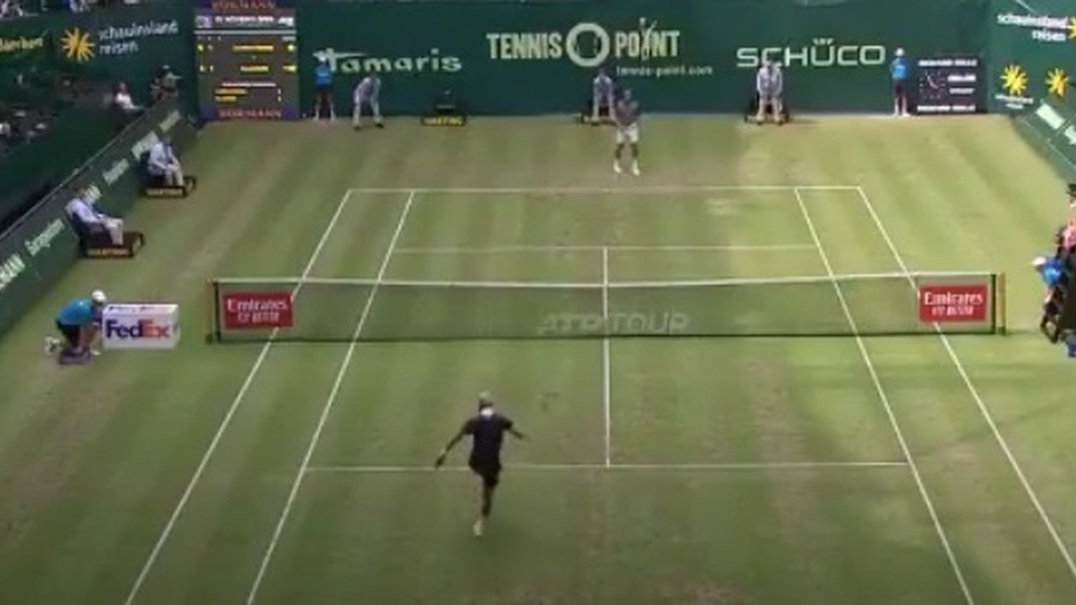 Tsonga vs Paire: jogo de ténis passou a ser uma exibição de futebol