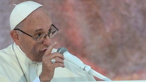 Temos o dever de acolher quem foge da guerra, diz Papa Francisco