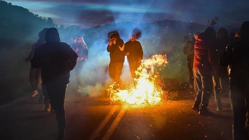 Grécia. Protestos contra construção de campos de detenção de migrantes
