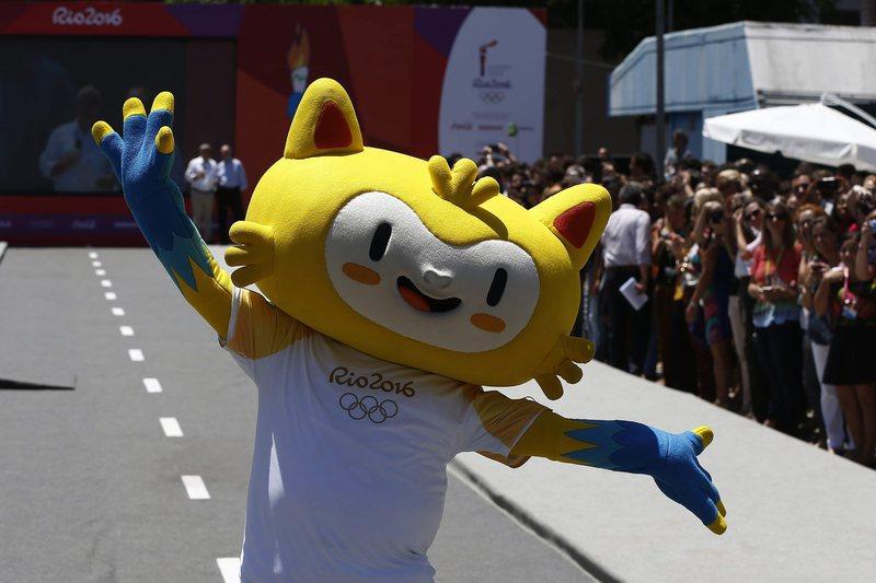 Brasil recebe chama olímpica em Atenas