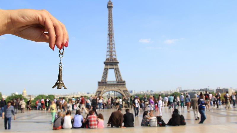 """Como será a Torre Eiffel """"do futuro""""?"""