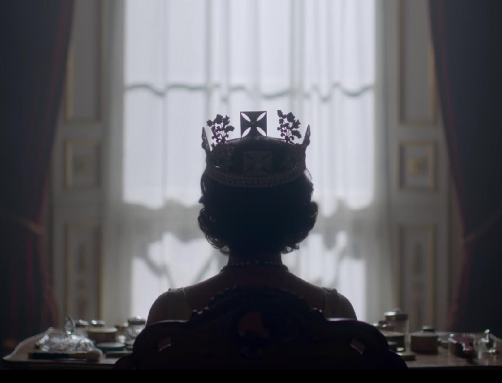 The Crown, 3ª temporada. Se queres olhar em frente, vê nas tuas costas