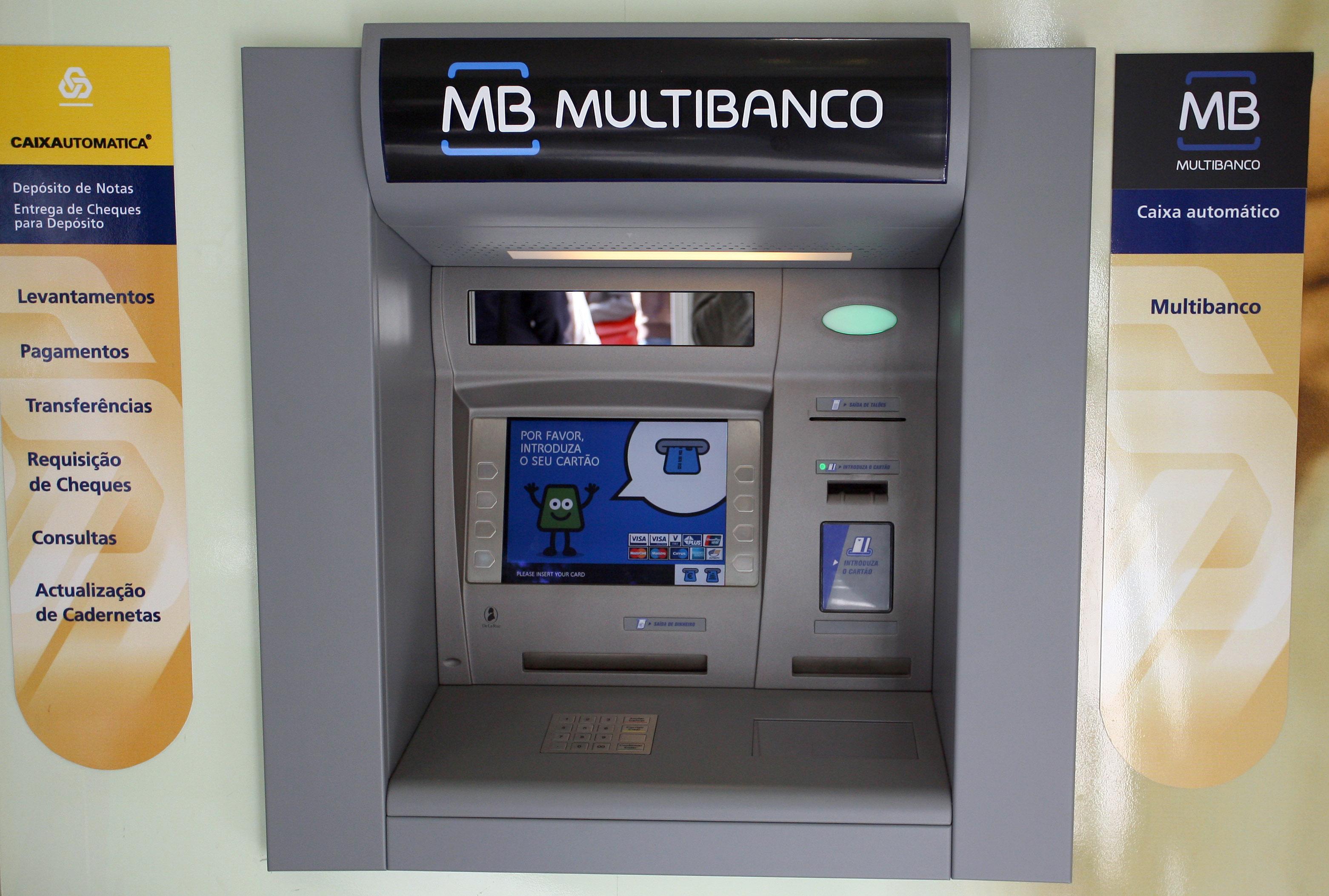 Confuso com as opções que aparecem nos terminais de multibanco? A Deco explica