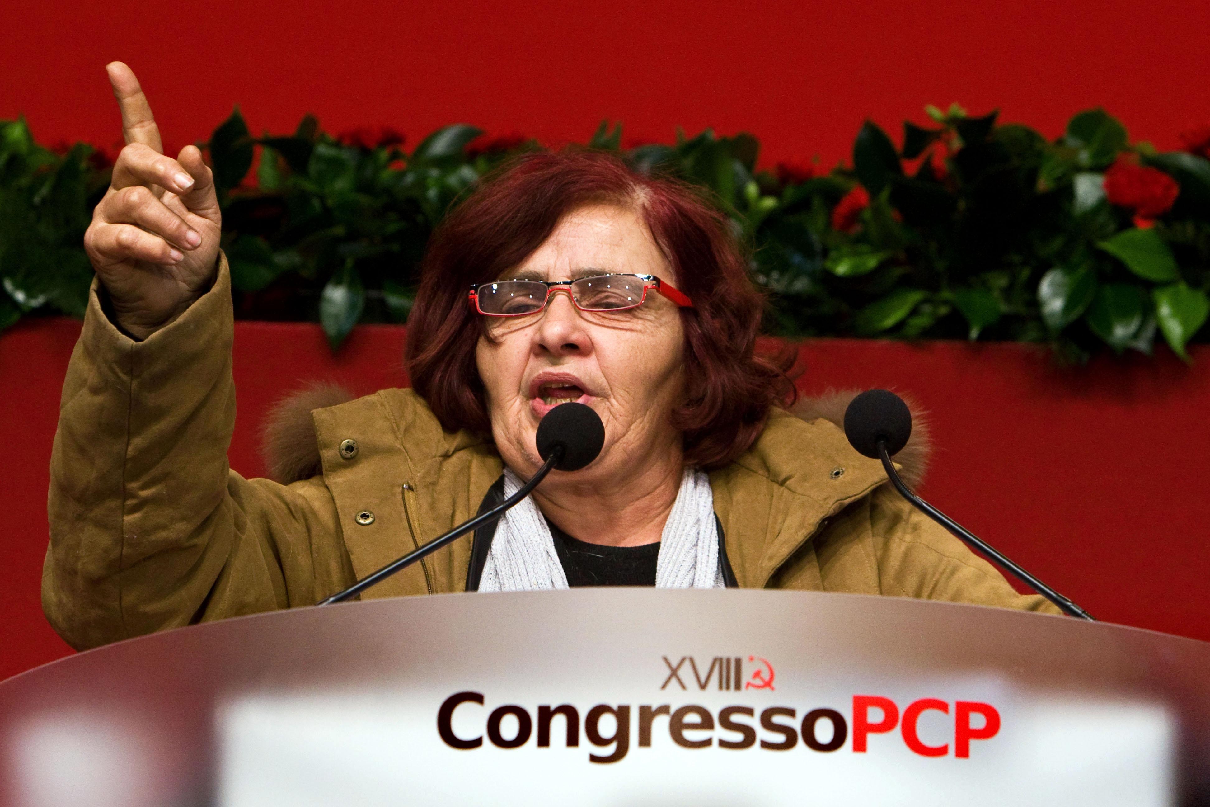 A ex-deputada comunista Odete Santos tem 27 casas e 5 milhões de euros em depósitos e aplicações?