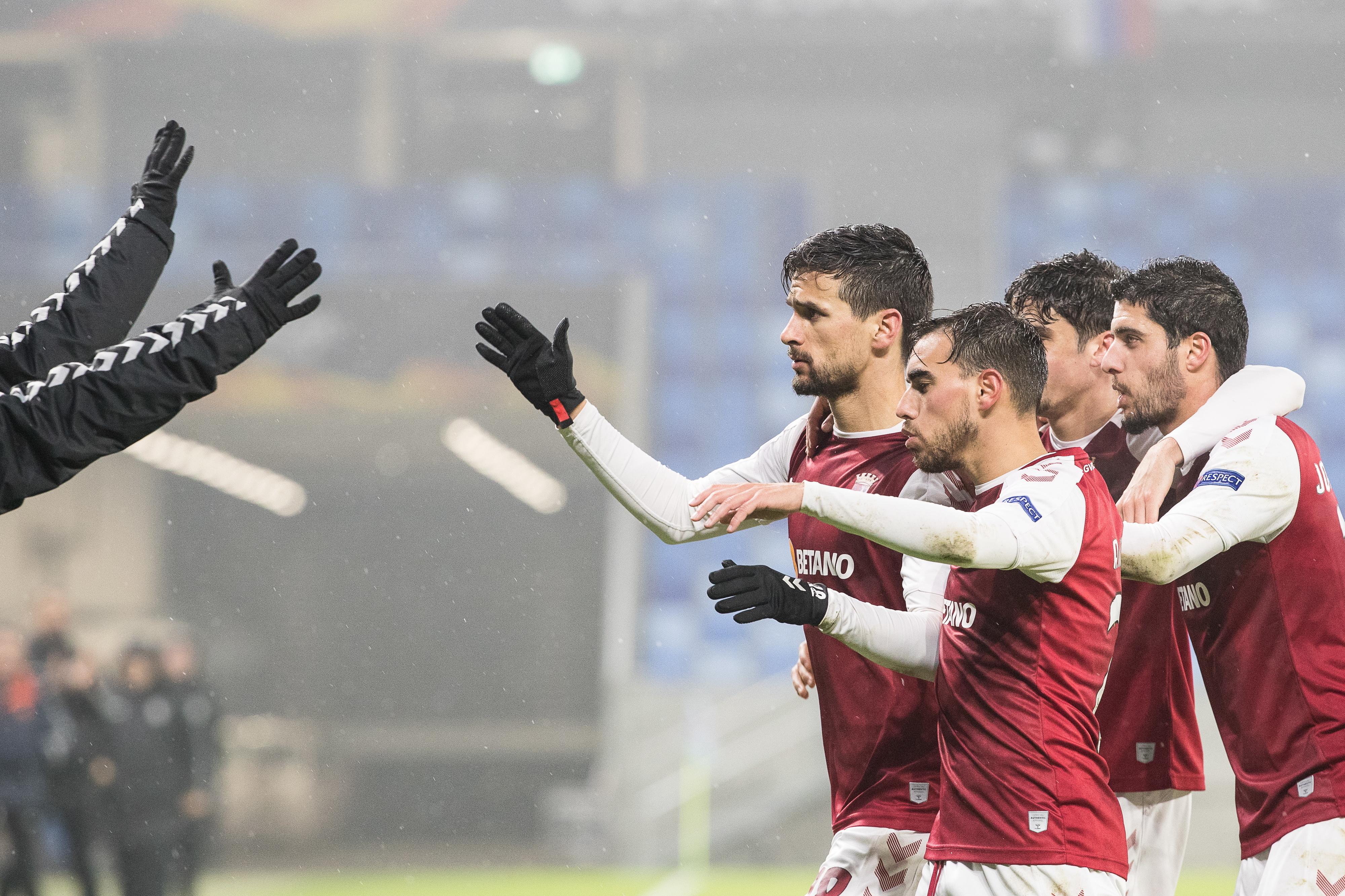 Braga vence na Eslováquia e termina em 1.º. 'Wolves' goleiam com hat-trick de Diogo Jota