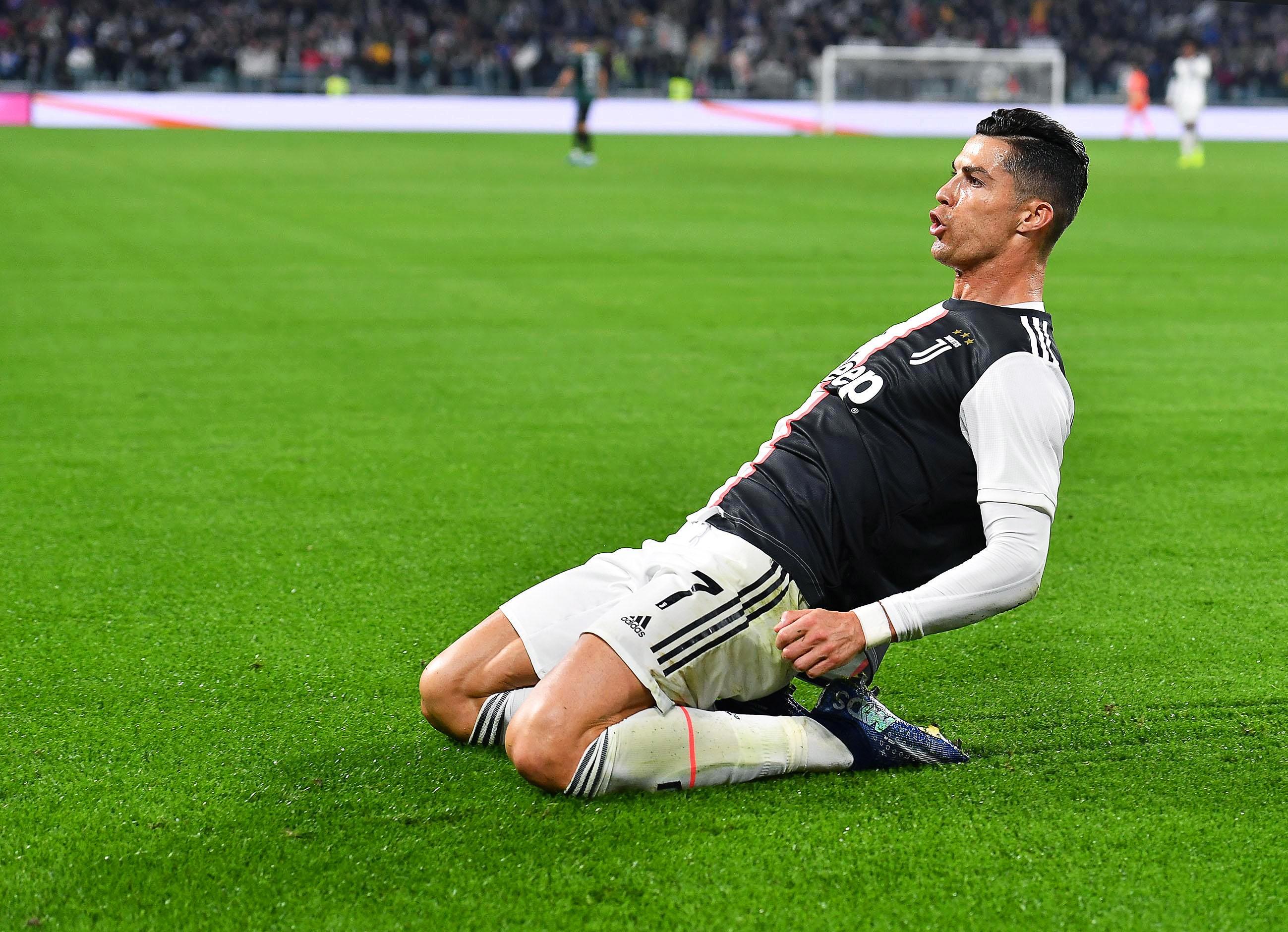 """Ronaldo faz 142 abdominais em 45 segundos e lança o desafio: """"Conseguem fazer melhor?"""""""