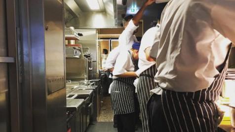 O novo restaurante do chef Diogo Noronha abre já na 3ª feira com peixe, marisco e comida biológica