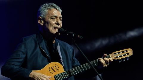 Da música à escrita, Chico Buarque confunde-se com o país que é a sua casa