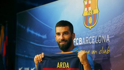 Clube chinês oferece 100 milhões a Arda Turan