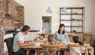 A importância fundamental de jantar em família