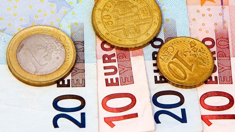 Euro sobe face ao dólar após críticas de Donald Trump à FED
