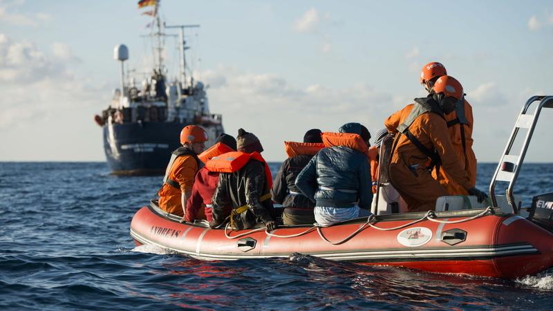 Médicos do Mundo condenam perseguição a quem ajuda refugiados