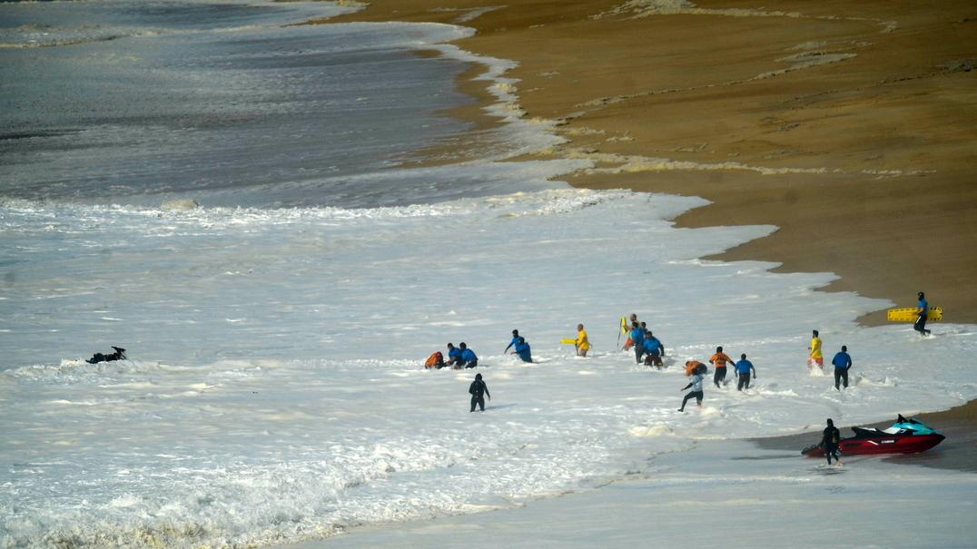 Aconteceu esta semana: O momento em que Alex Botelho é apanhado por uma onda gigante na Nazaré
