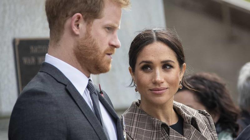 Harry e Meghan perdem títulos reais e deixam de receber fundos públicos