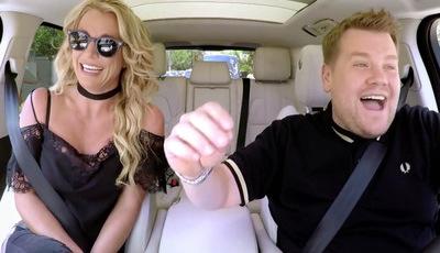 Britney Spears recorda hits (timidamente) à boleia com James Corden