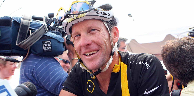 "Lance Armstrong visita antigo rival Ullrich: ""Está a passar por um momento difícil"""