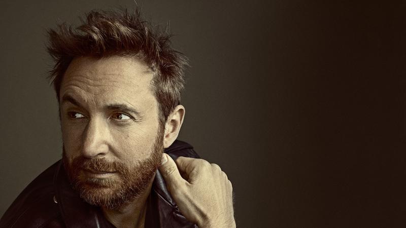"""""""Despacito"""" ou """"Mi Gente""""? David Guetta revelou a sua canção favorita ao SAPO Mag"""