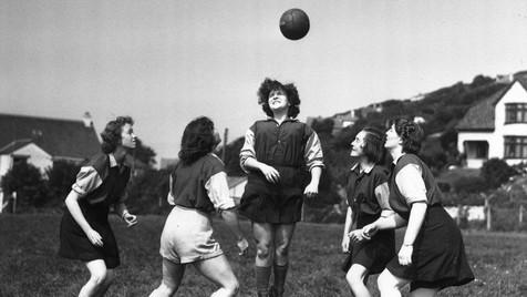 Quando as mulheres foram banidas do futebol em Inglaterra