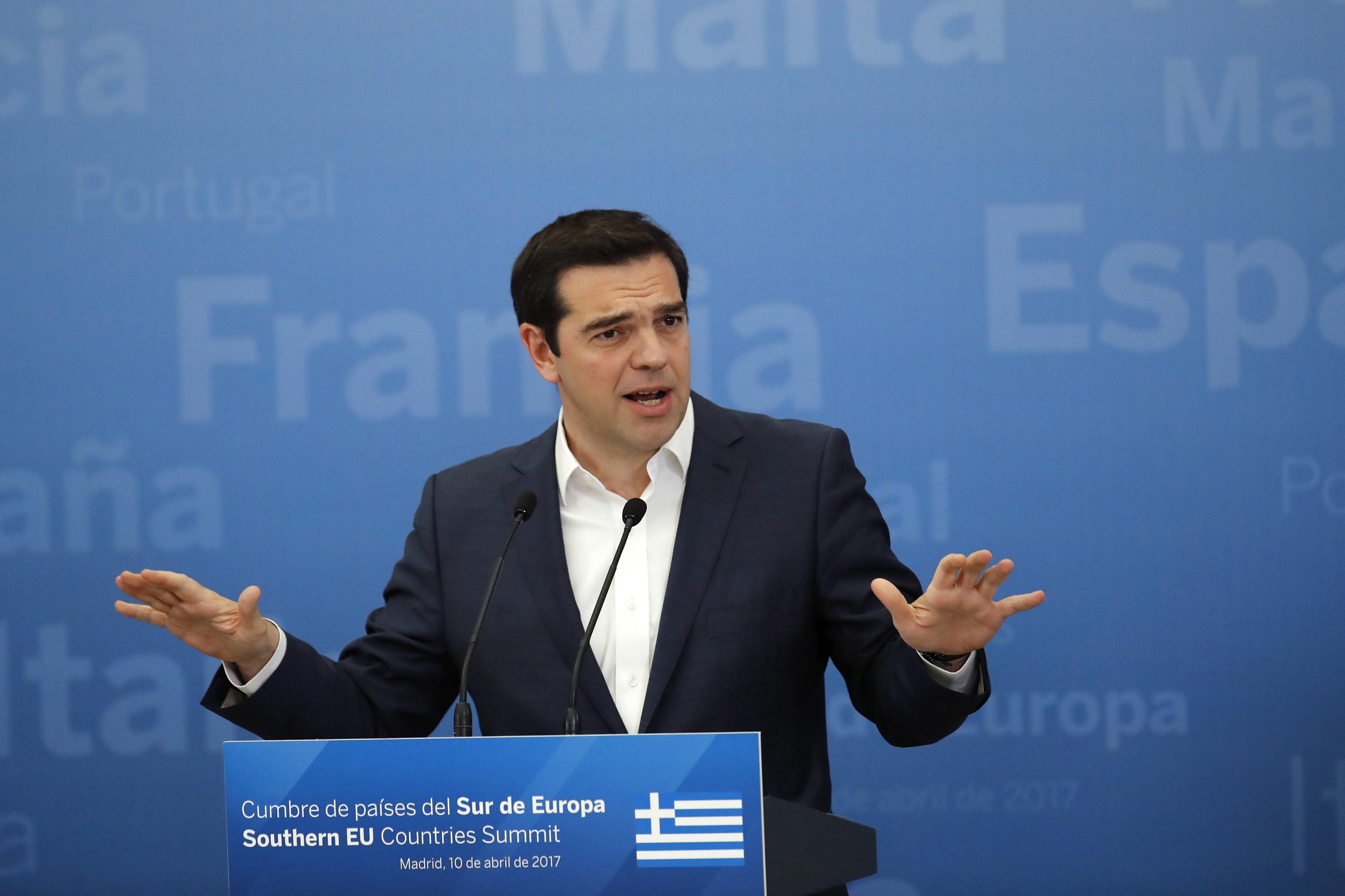 Grécia só aplica novas medidas de austeridade após solução para dívida