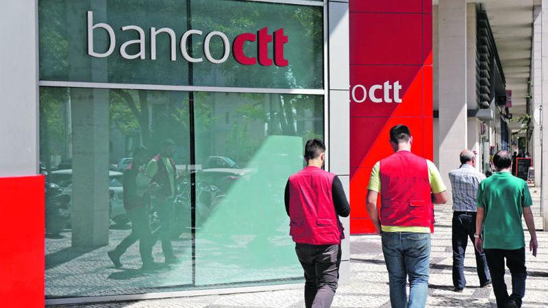 """Anacom dá 40 dias para os CTT procederem à """"adequada repartição"""" dos custos entre atividades postal e bancária"""