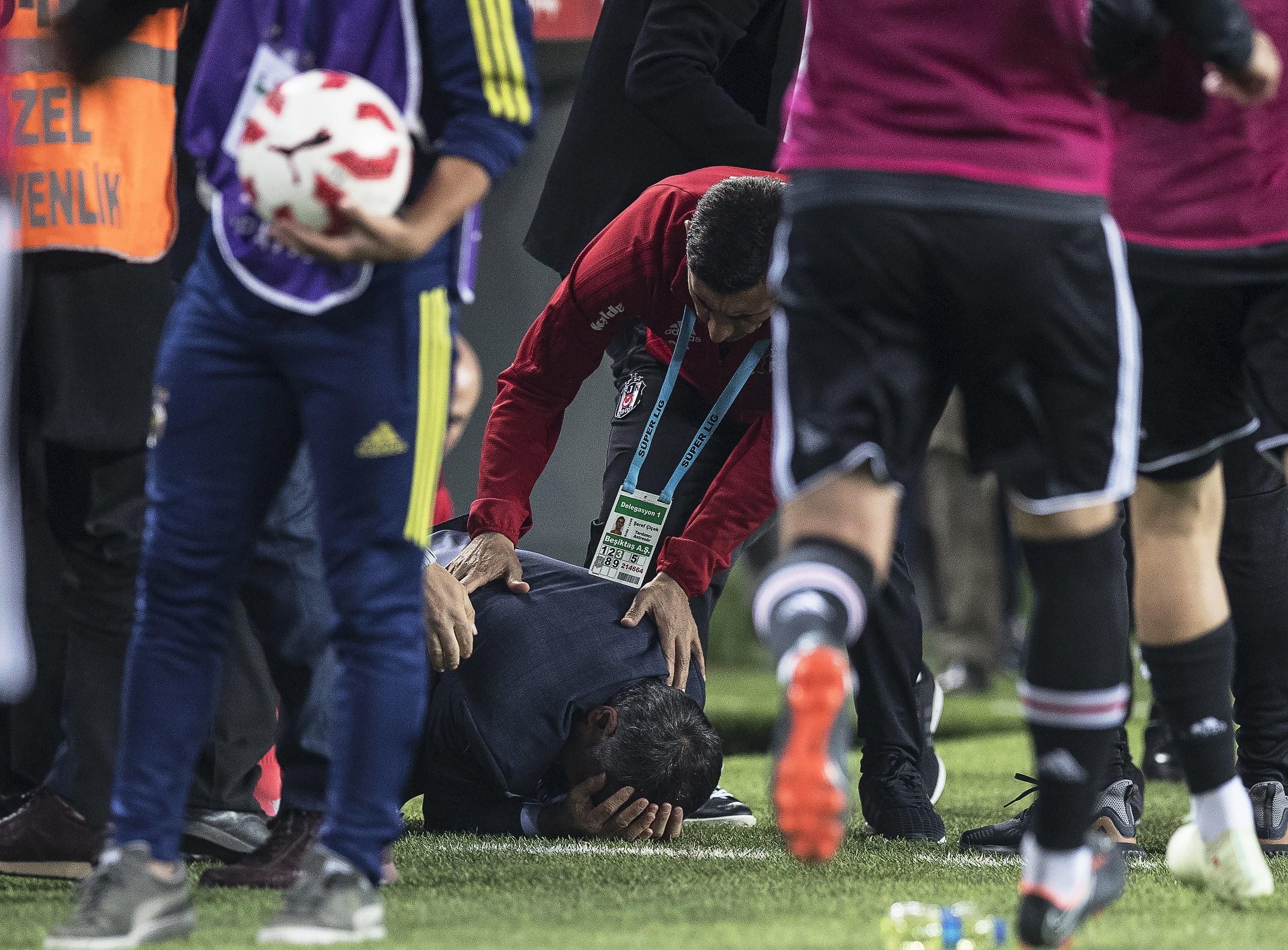 Treinador Senol Günes teve alta após incidentes no Fenerbahce-Besiktas