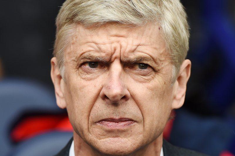"""Wenger """"Reforma? não escondo que esse dia assusta-me"""""""