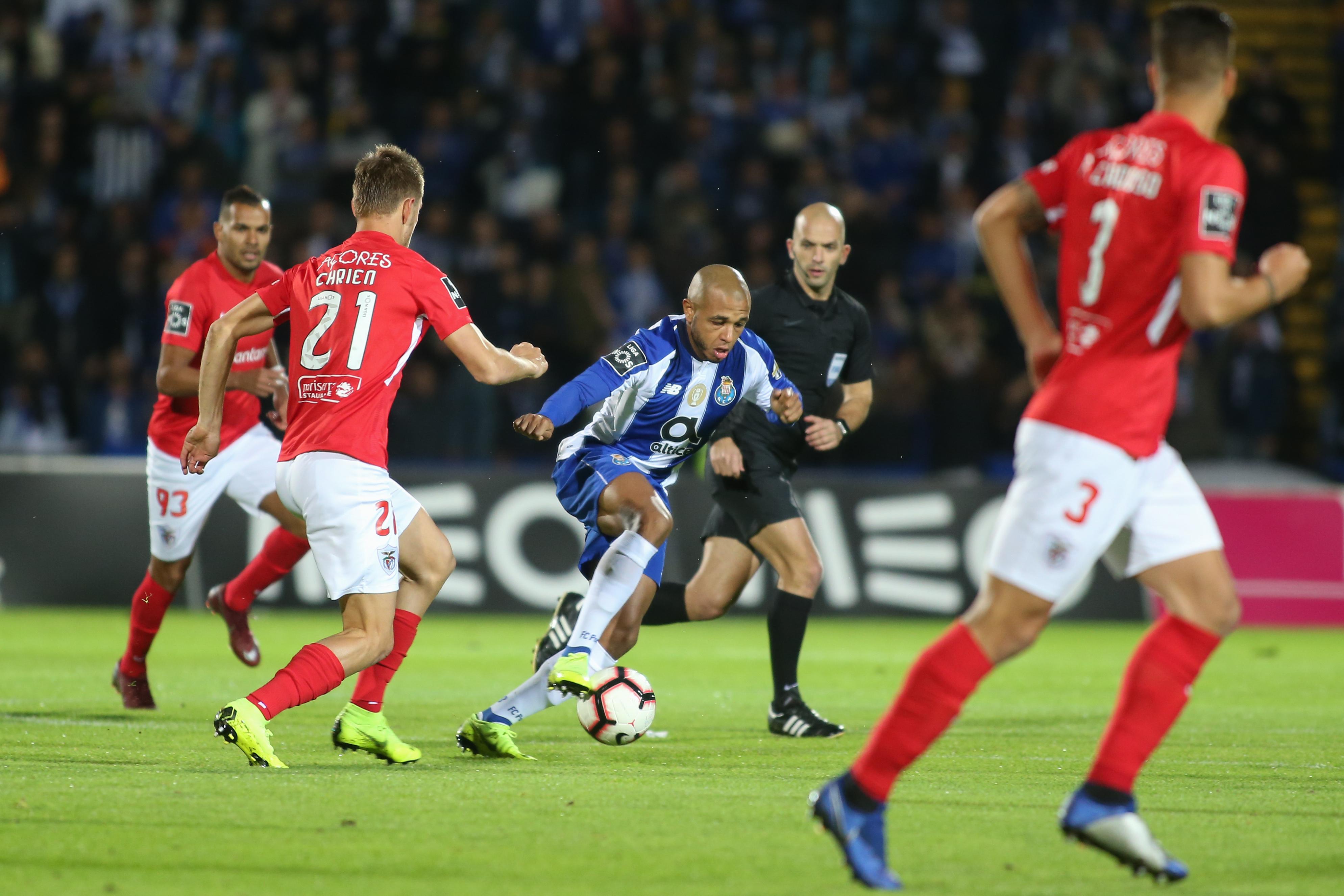 """Benfica e o triunfo do FC Porto: """"Mais uma jornada que envergonha o futebol português na liga Blue Velvet"""""""