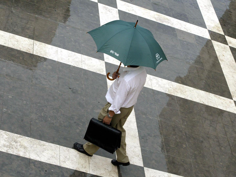 Chuva coloca treze distritos sob aviso amarelo