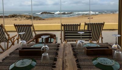 Lapa Lapa, o novo restaurante que quer dar vida à Praia do Molhe, na Foz do Porto