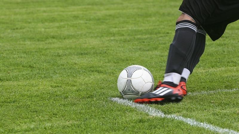Estudo aponta maior risco de problemas neurodegenerativos em ex-jogadores de futebol