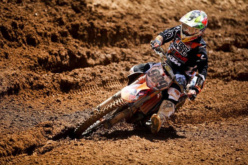Rui Gonçalves em 18.º no GP de Itália de motocrosse