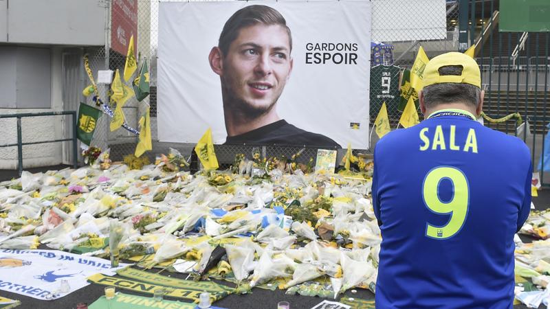Britânicos que divulgaram imagens de Emiliano Sala na morgue condenados a pena de prisão