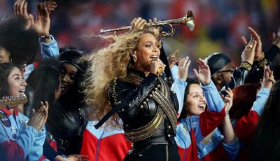 Beyoncé anuncia digressão mundial no intervalo do Super Bowl