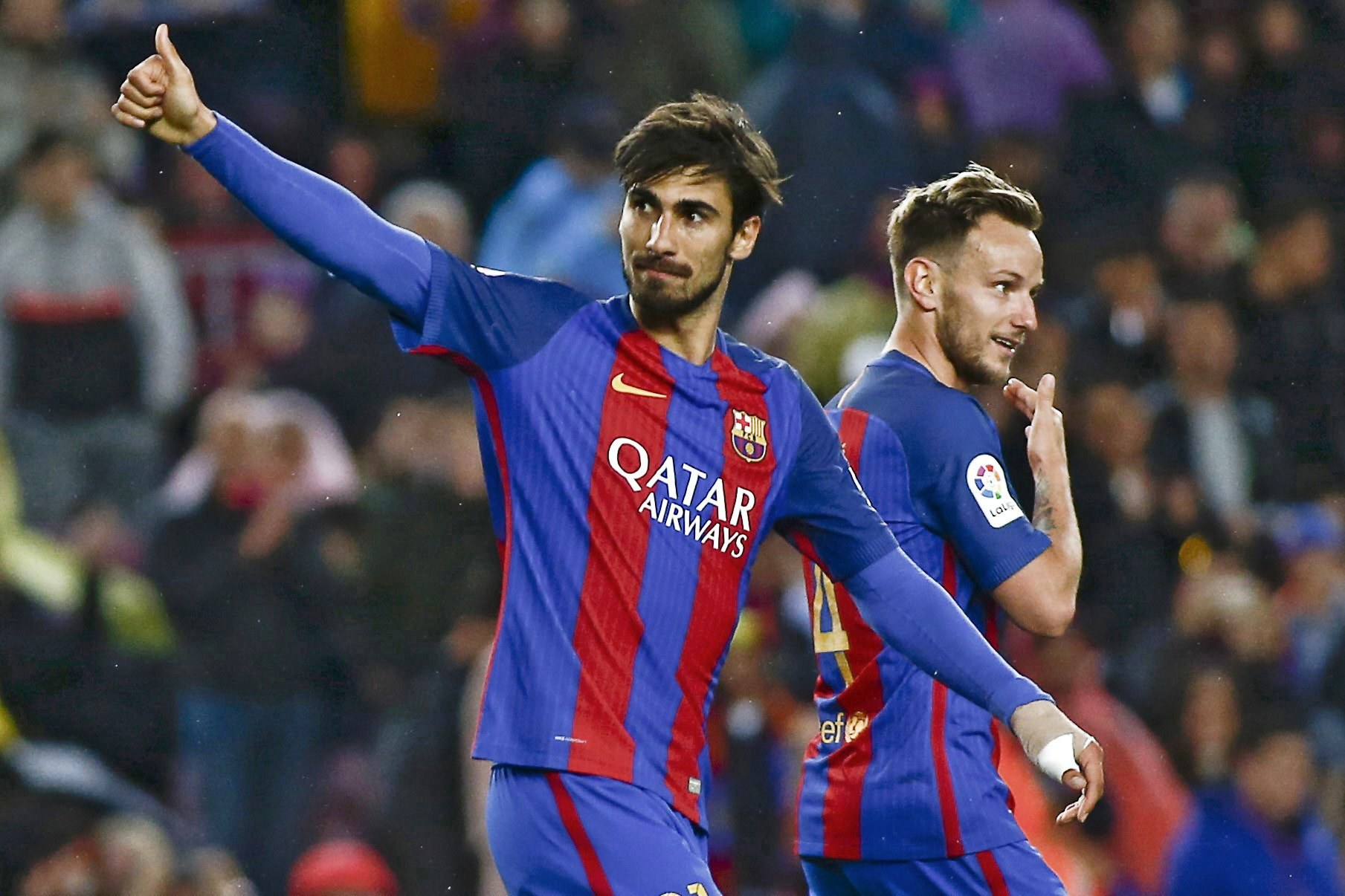 Barcelona marcou 7, André Gomes 2, mas na história fica o golo de Mascherano