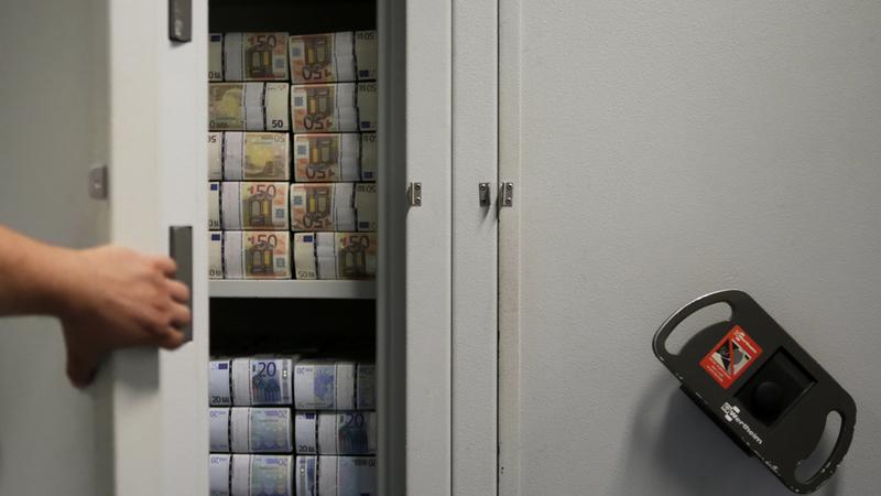Portugueses vão perder este ano mais de 150 milhões de euros com dinheiro parado nas contas