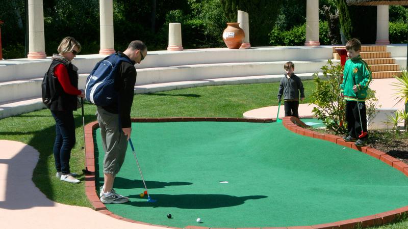 Family Golf Park: tacadas a Sul em família