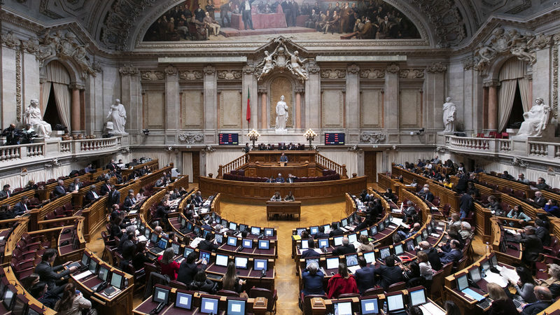 Lista secreta dos grandes devedores da banca já chegou ao Parlamento
