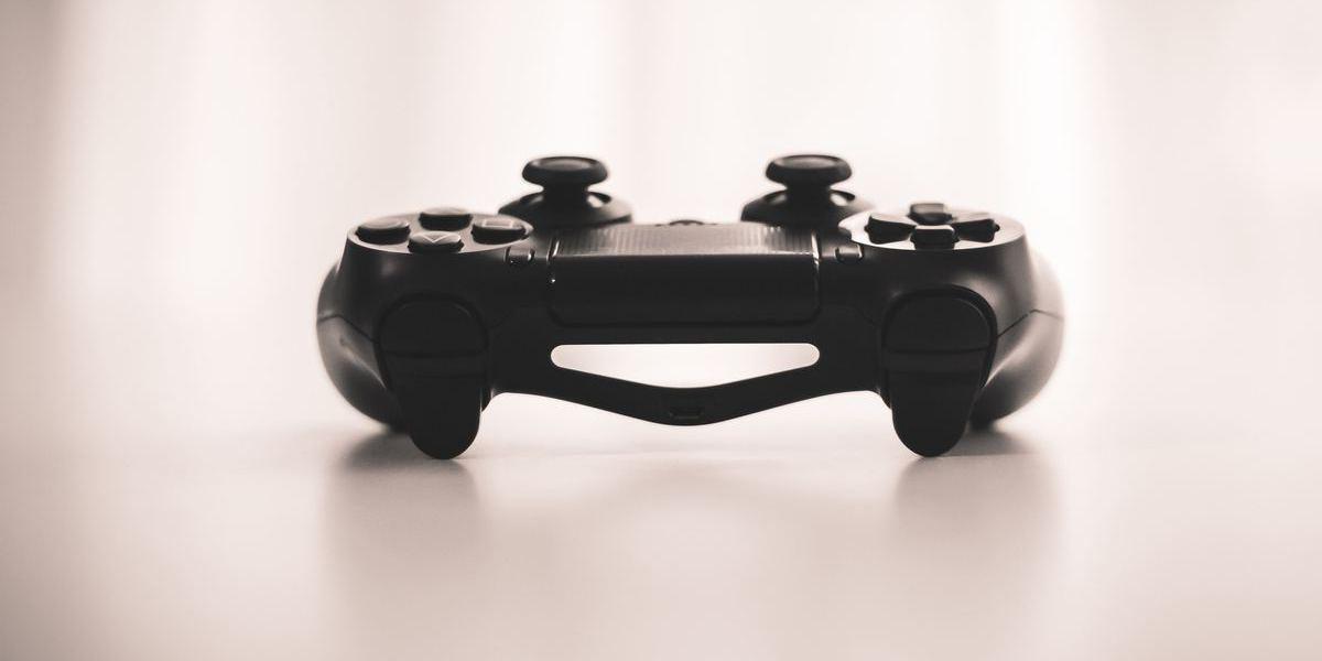 Depois do iPhone, FBI solicita dados de uma PlayStation 4 para investigar suspeito de terrorismo