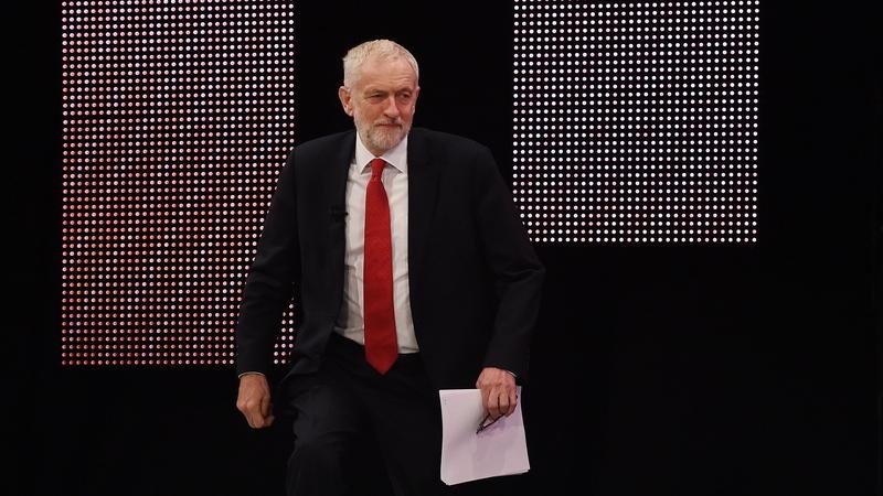 Reino Unido. Trabalhistas sob pressão para apresentar moção de censura ao Governo