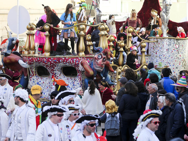 Tempo prega partida de Carnaval