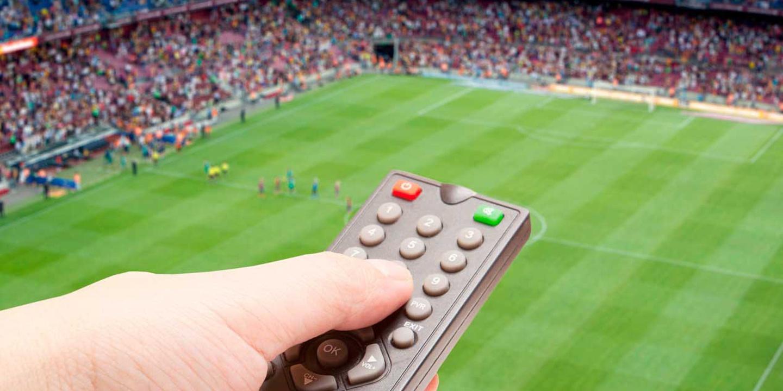 Futebol na TV: Saiba que jogos pode ver este fim de semana