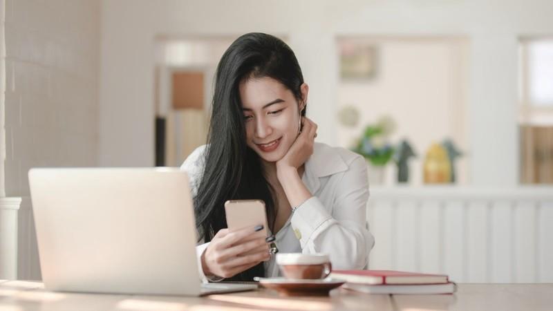 """6 apps de videochamada para manter """"contacto"""" com amigos, familiares e colegas sem sair de casa"""