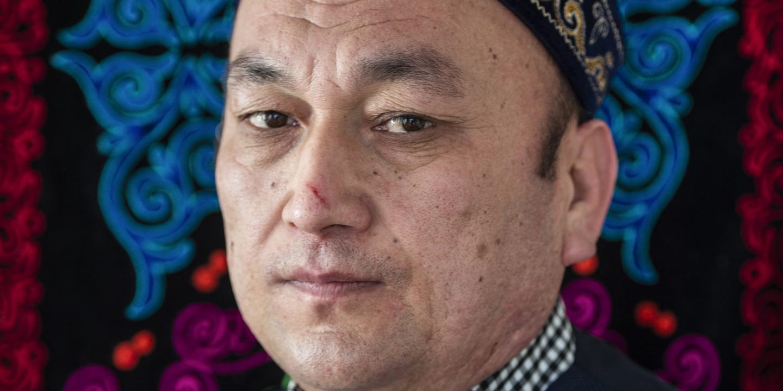 O testemunho de um sobrevivente dos centros de 'reeducação' para muçulmanos na China